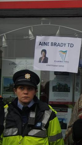 The Brady's have removed the Fianna Fail sign from the building. FEE replaced it for them.