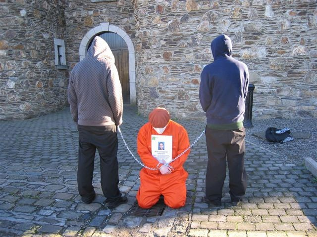 prisoner rights 3 essay Prisoner rights operate under the understanding that although a prisoner will be deprived of his or her freedom he or she will still be entitled to basic human rights.