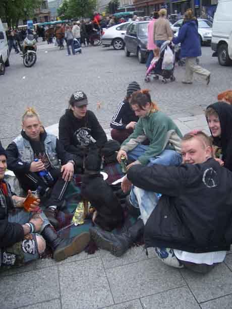 http://www.indymedia.ie/attachments/jun2005/punks.jpg