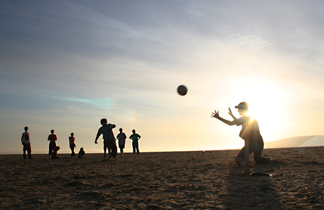 Penalty shoot-out following soccer on the beach