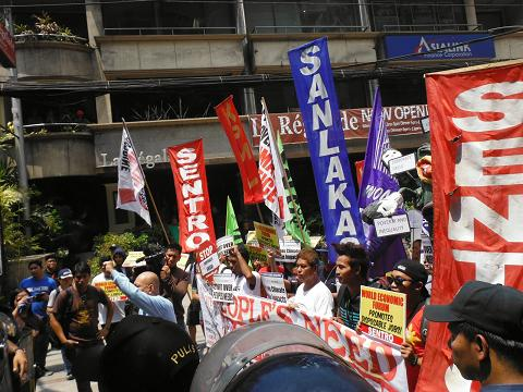 Walden Bello: How neoliberalism killed the Philippines' EDSA Republic