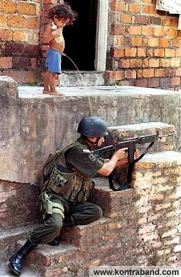 Take That Soldier ! Iraqi_resistance1