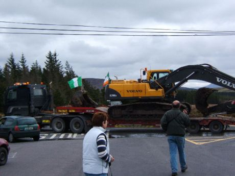 the lorry, denied access, drives off