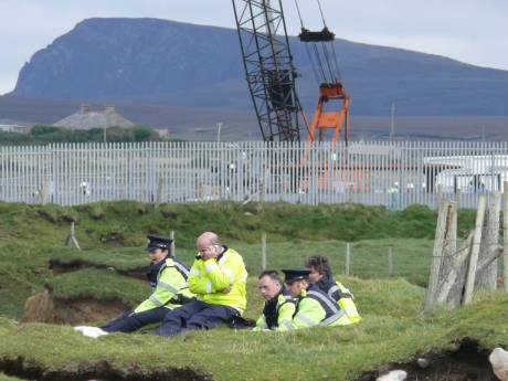 Hard-working Shell Insecurity Gardai take a break..