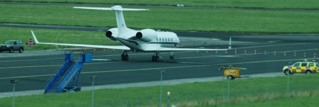US Navy Gulfstream reg no 166376 at Shannon 10Aug09