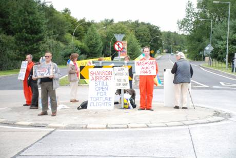 Peace vigil at Shannon 9Aug09