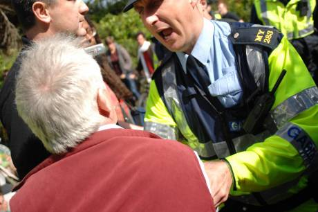 Garda Carl Murray MY283 being violent
