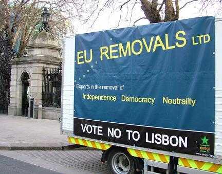 Īrijā jau sākusies Lisabonas līguma nobalsošanas kampaņa. Indymedia Ireland foto