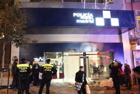 Flames of angry Greek revolt spread to Madrid