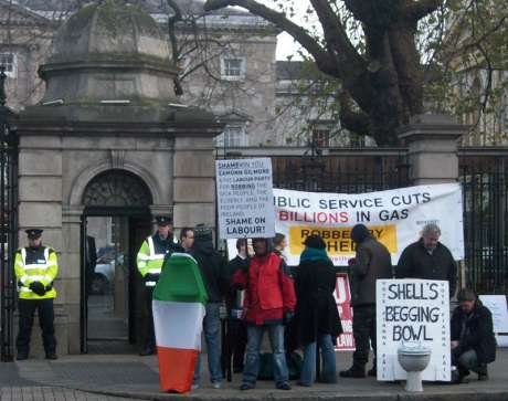 Occupy Dame St and Shell to Sea
