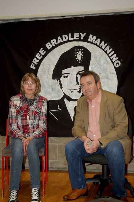 Chelsea Manning's Mum Susan meets Gerry Conlon of the Guildford Four