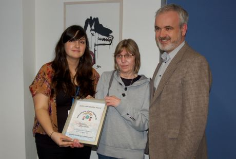 Amnesty Ireland presents a human rights award from local schoolchildren