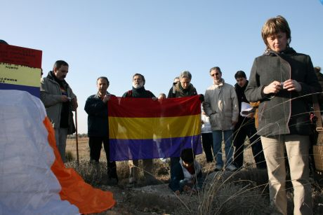 One minute's silence for those who fell at Jarama