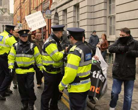 garda_harass_anti_eviction_taskforce_wsm_photo1_feb09_2013.jpg