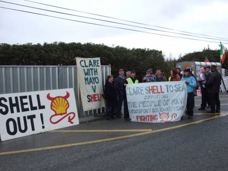 Some Clare Shell to Sea'ers with local residents at the picket at Bellanaboy.