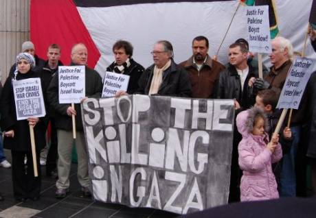 Christy Moore & others stand in solidarity with Gaza