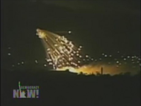 This is what white phosphorus looks like : Gaza tonight