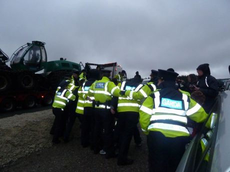 Garda� hemming in assembled supporters