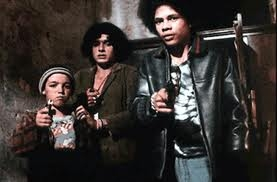 pic_pixote_image_three_boys_with_guns.png