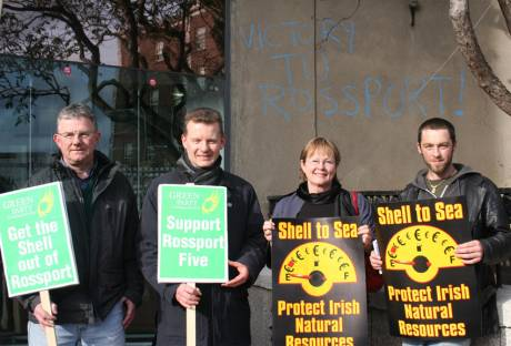 Trevor Sargent protests at Shell HQ in Dublin on February 17th, 2006