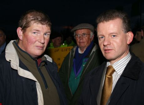 Trevor Sargent with Philip McGrath of the Rossport Five at Bellanaboy on October 24th, 2006