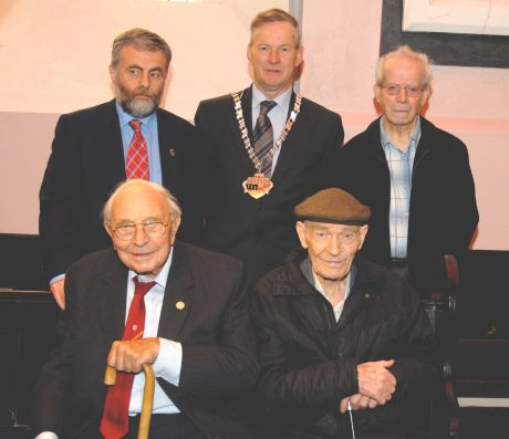 Spanish Civil War Veterans Jack Jones (left) and Bob Doyle remember a comrade. Also in pic Jack O'Connor (SIPTU), Mayor of Co. Kilkenny and Paddy Murphy, Organising Cttee