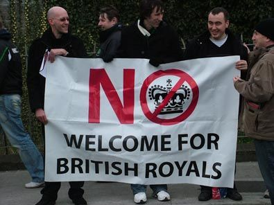NO ROYAL VISIT - �irig� protest Ballybough
