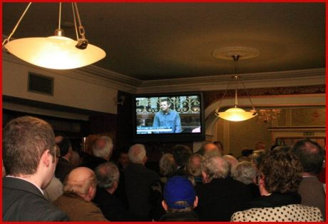 Richard Boyd Barrett and his maiden speech getting a attentive audience (mostly FG supporters) in Buswells Hotel, across the road from the D�il.