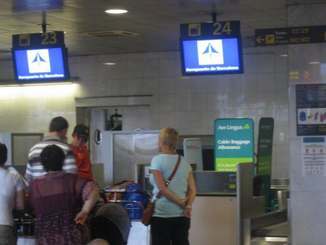 Aer Lingus check-in desk, Barcelona Airport