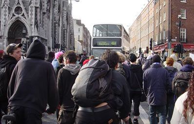 rush_for_last_bus_leaving_dublin.jpg