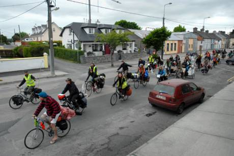 Critical mass in Gort