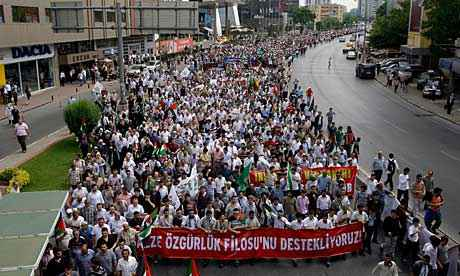 Huge protests in Isanbul against Israeli lies and assisination of its countries human rights activists murdered this morning in International waters