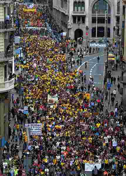 150,000 people education strike in barcelona, 2 days ago (no report of it in irish media)