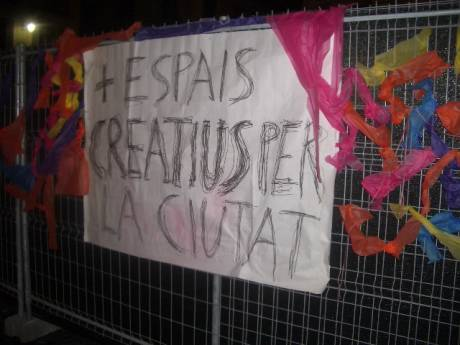 banners left on fences of Saint Jaume for passers by