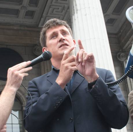 Eamon Ryan addresses the crowd at a Shell to Sea rally in O'Connell St on July 23rd, 2005 (pic: William Hederman)