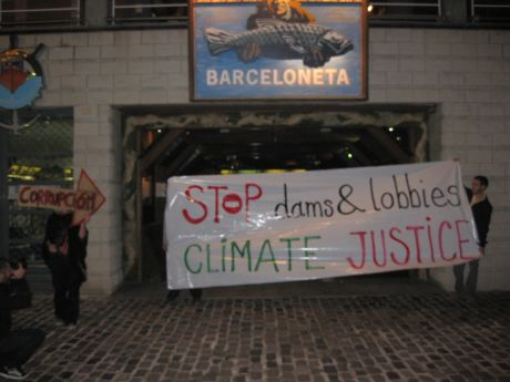 Stop dams and lobbies * climate justice (BCN direct action to climate talks lobby groups)