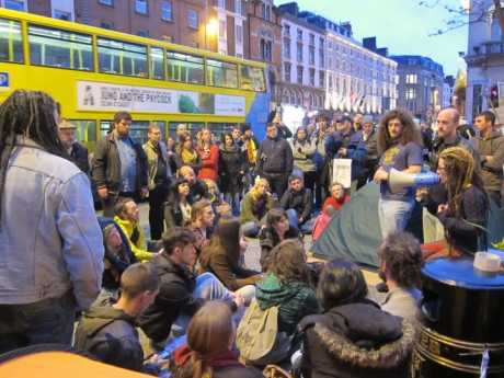 Another day andother general assembly in Dame Street, 4 weeks on and its gone from 1 to 6 #OCCUPY spots on the island