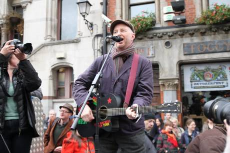 So let the music... Billy Bragg belts out the tunes at #OccupyDameStreet