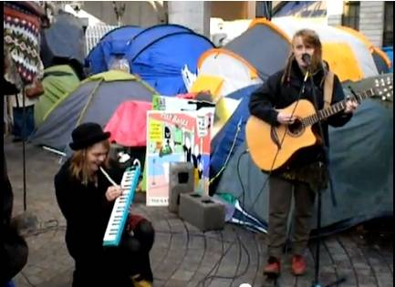 So let the music... #OccupyDameStreet Part 6 - a little french ditty
