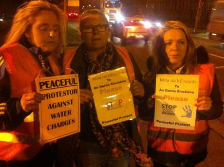 women_protest_coolock_over_police_brutality_nov18_2014.jpg