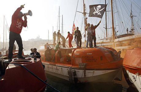 French sailors strike, ALLEZ LES PIRATES