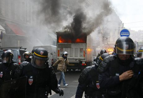 France burns as strike descends into violence