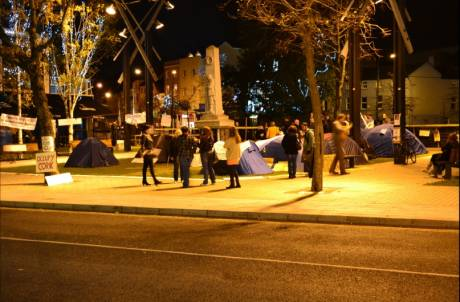 #OccupyCork: night time at the war memorial at the bottom of South Mall