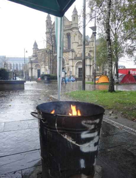 #OccupyBelfast: turf burns in bin to keep people warm