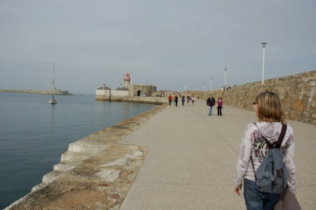 A walk with Chelsea Manning's Mum out along Dun Laoghaire east pier