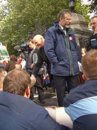 gerry adams comes over to the lads