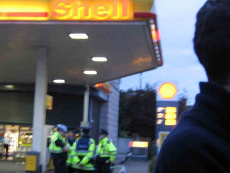 Gardaí protecting Donnybrook Shell Station