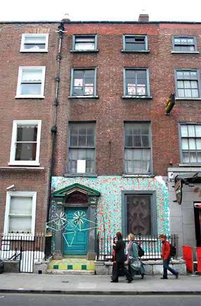 The facade of 47 Middle Abbey St, in which Seomra Spraoi had a room for a few months in 2005/2006